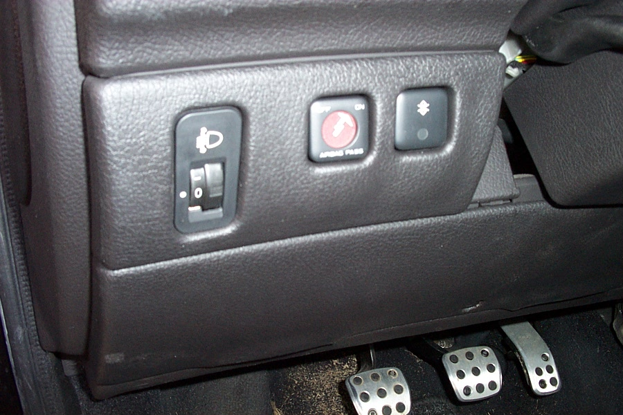 Mystery Button In Peugeot 206 Whatisthisthing